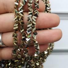 6 mm Üçgen İpe Dizili Kristal Boncuk - Kaplama Gold Altın