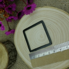 Kare Siyah Model 5 cm Reçine Metal Kolye Ucu
