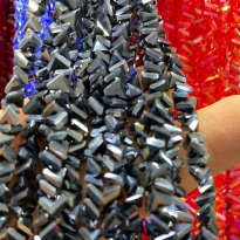 6 mm Üçgen Kristal İpe Dizili Çin Camı