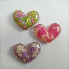 Reçine Görünümlü Renkli Kalp