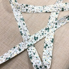 Toptan Desenli Koton Biye - 2 Cm Yeşil Çıtır Çiçekler